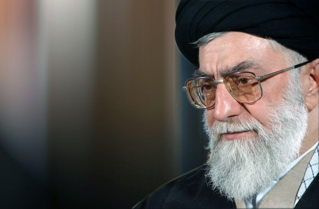 قائد الثورة الاسلامية يستقبل حشدا من المعلمين