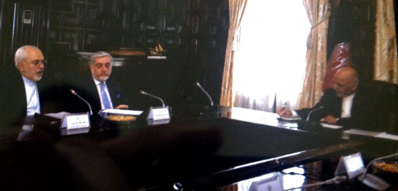 ظريف يلتقي الرئيس الافغاني في كابل