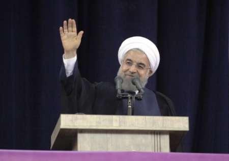 روحاني: الحكومة الحالية ساعدت علي استقرار المياه وإحياء بحيرة ارومية