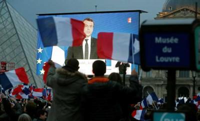 العالم يهنئ ايمانويل ماكرون بفوزه بالرئاسة الفرنسية
