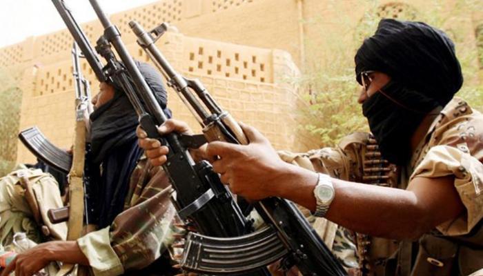 اليمن: تنظيم القاعدة يفجر مركزا عسكريا في حضرموت