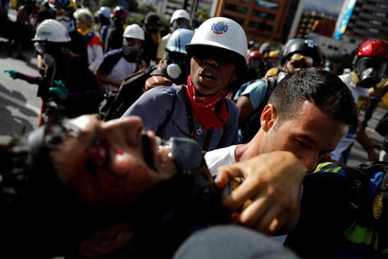 مظاهرات تصاحبها أعمال عنف فى فنزويلا للمطالبة برحيل الرئيس مادورو