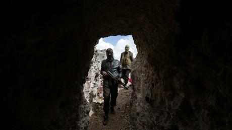 تجدد القتال بين مقاتلى المعارضة المسلحة فى مدينة الباب السورية