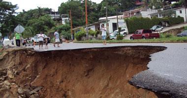 انهيارات أرضية في بنغلادش تودي بحياة 134 شخصا
