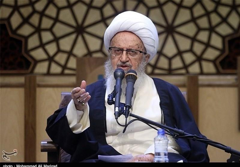 آية الله مكارم شيرازي: الأمريكيون زادوا كراهية الشعب الايراني لهم