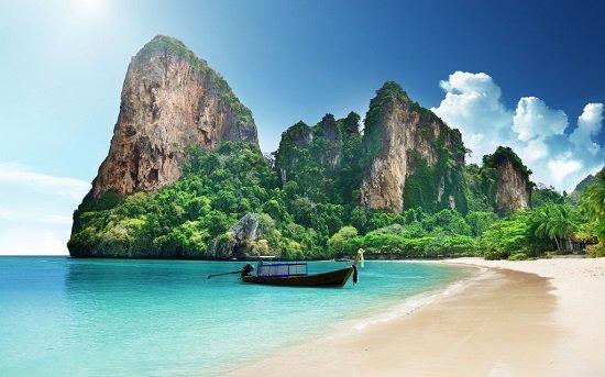 5 وجهات سفر يمكنك الاستمتاع بزيارتها وحيدًا..
