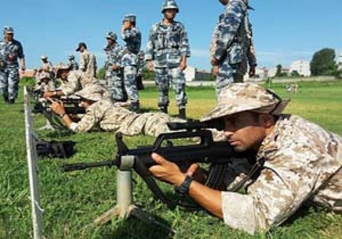 القوات المجوقلة في حرس الثورة الاسلامية تجري تدريبات في الصين +صور