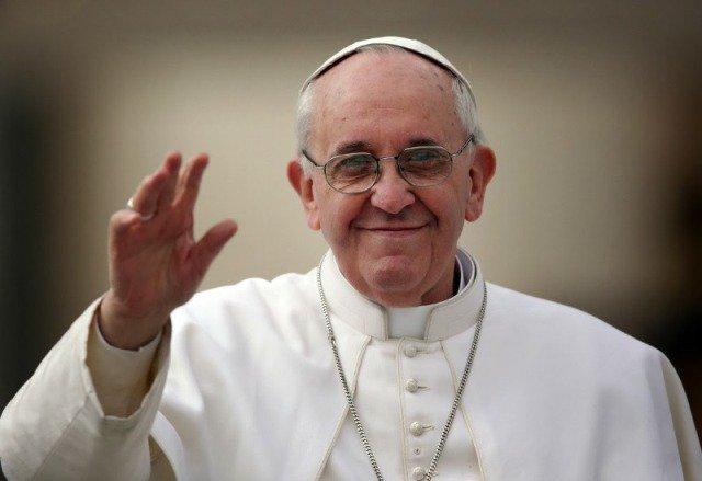 إصابة بابا الفاتيكان في كولومبيا + صور