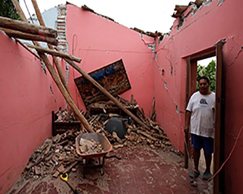 بالصور.. الأثار المدمرة لزلزال المكسيك