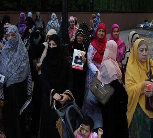بالصور.. مسلمو أمريكا ينددون بالعنف ضد الروهينجا أمام مقر الأمم المتحدة