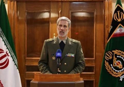 وزير الدفاع : ايران لا تستأذن اي بلد في تصنيع انواع الاسلحة الدفاعية