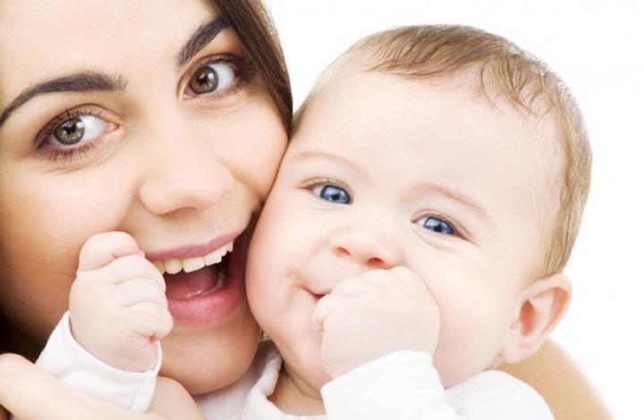 10 قرارات تعجز الأمهات عن الالتزام بها