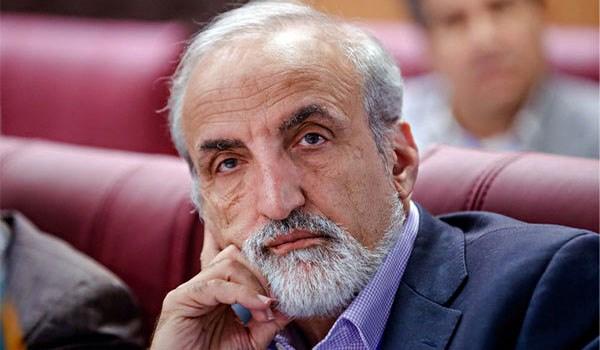 الوكالة الدولية للسرطان تمنح العالم الايراني ملك زاده وسام الشرف