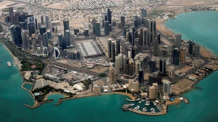من هي المرأة التي اختلفت عليها قطر والإمارات؟!
