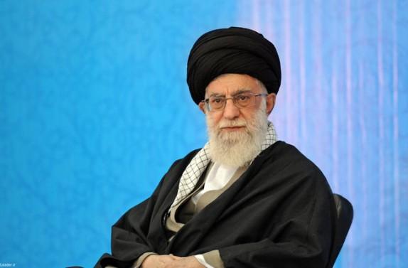 قائد الثورة الاسلامية يعزي بضحايا حادث ناقلة النفط الايرانية