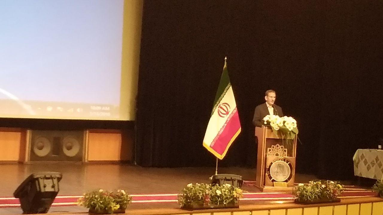 جهانغیری: الوحدة و الحوار الوطنی النهج الأمثل لمواجهة امریكا وعدائها تجاه ایران