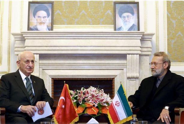 لاريجاني: تعزيز العلاقات المصرفية على جدول اعمال ايران وتركيا
