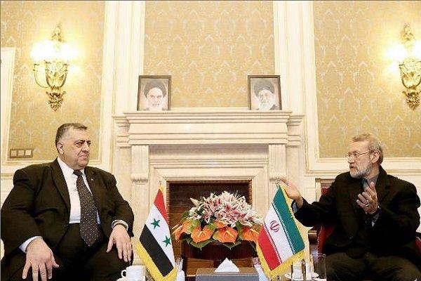 لاريجاني يشيد بصمود الشعب السوري