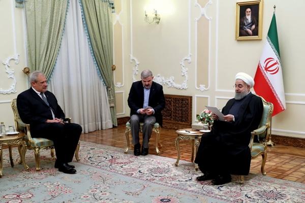 روحاني: الطاقات الاقتصادية لدي ايران وكوبا يجب تفعيلها لصالح الشعبين