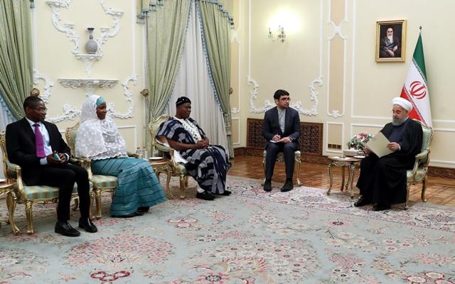 روحاني: طهران مستعدة لتطوير التعاون الثقافي والصحي مع غانا