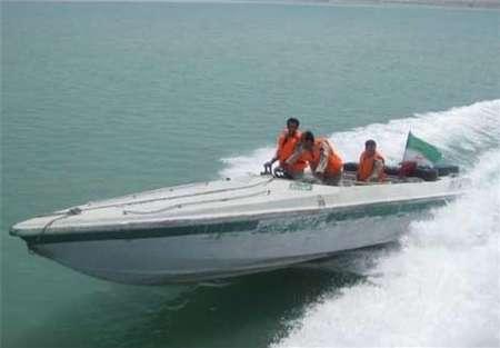 مسؤول یعلن انقاذ 9 صیادین ایرانیین فی میاه بحر عمان