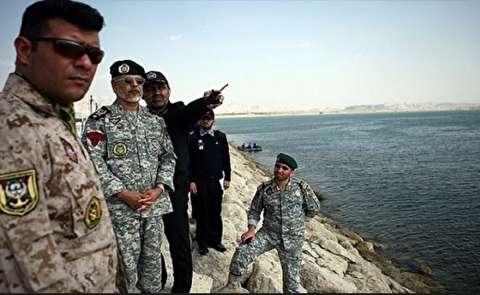 المناورات الايرانية: زوارق محملة براجمات صواريخ تدمر سفنا للعدو المفترض