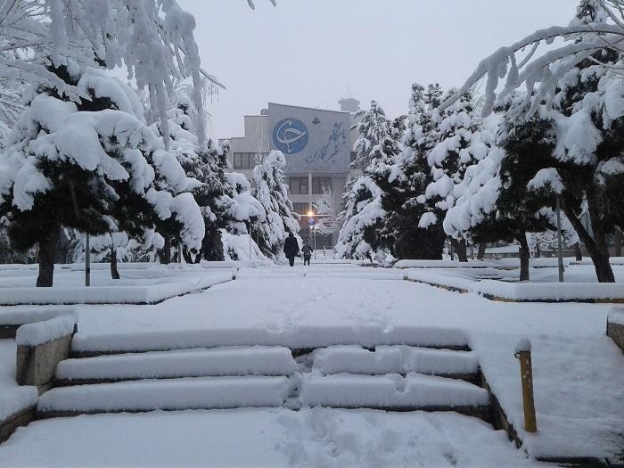 موجة من البرد وتساقط الثلوج تجتاح مختلف المناطق فی ایران
