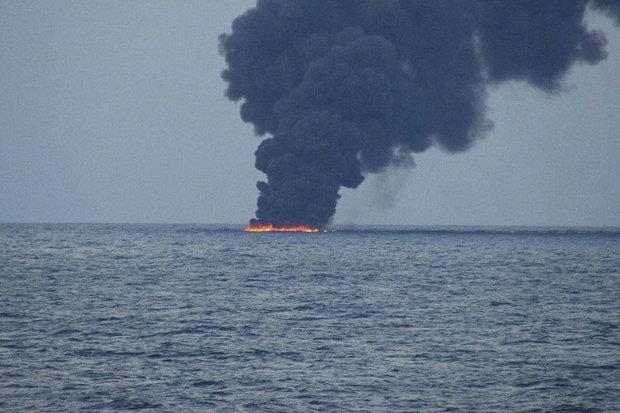 تسليم الصندوقين الاسودين لسفينتي سانتشي وكريستال لمؤسستي الموانئ التابعة لكل من ايران والصين