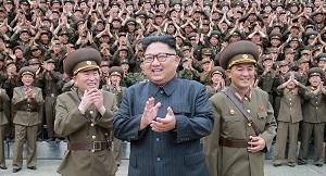 زعيم كوريا الشمالية يوعز ببدء محادثات فتح الخط الساخن مع كوريا الجنوبية