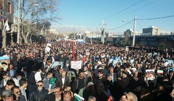 مسيرات حاشدة في مختلف المدن الايرانية تنديدا بأعمال الشغب والفوضى
