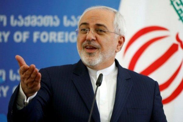 ظريف: ترامب یثبت مجددا جهله بأوضاع ايران والمنطقة