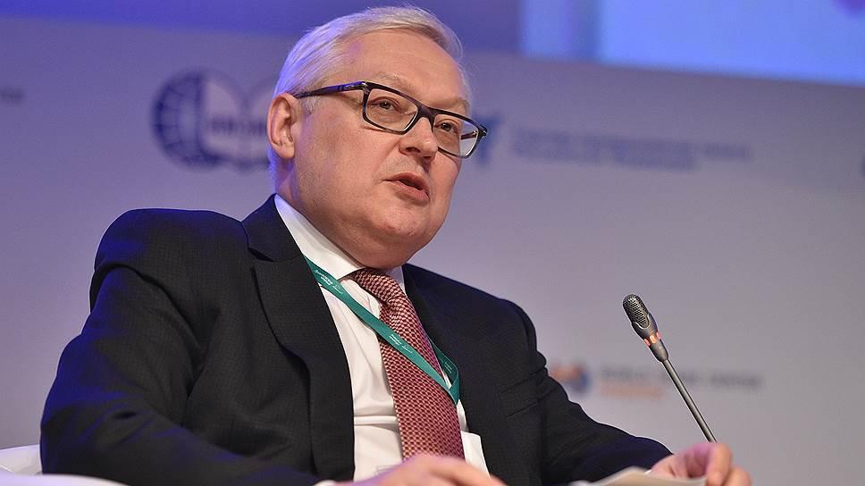 ريابكوف: الولايات المتحدة تبحث عن ذريعة لتشديد الضغط علي إيران