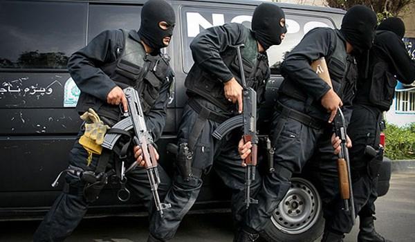 استشهاد احد افراد الامن الداخلي الايراني واصابة آخر في اشتباك مع مسلحين