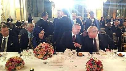 """حديث """"لطيف"""" بين ترامب وأردوغان خلال عشاء فرنسي+ صور"""