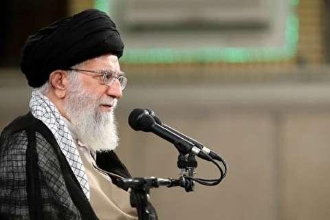قائد الثورة: شهداء الدفاع المقدس لم يسمحوا في أن تعود إيران إلى مربع سلطة الاستكبار