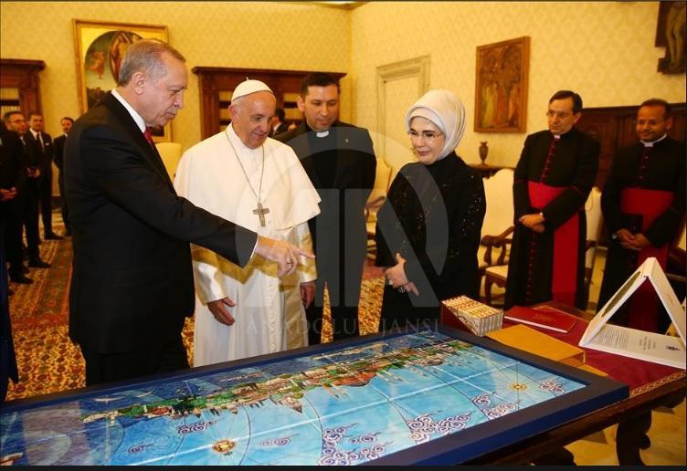 أردوغان وبابا الفاتيكان يؤكدان على الحفاظ على وضع القدس