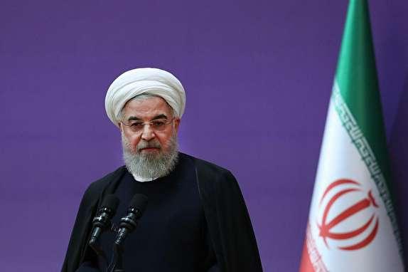 الرئيس روحاني: الثورة الاسلامية منحت العزة لهويتنا الوطنية والدينية