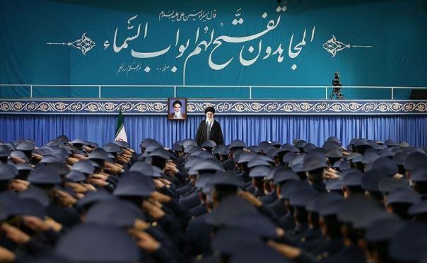 الامام الخامنئي: مسيرات انتصار الثورة الاسلامية لهذا العام ستكون مذهلة