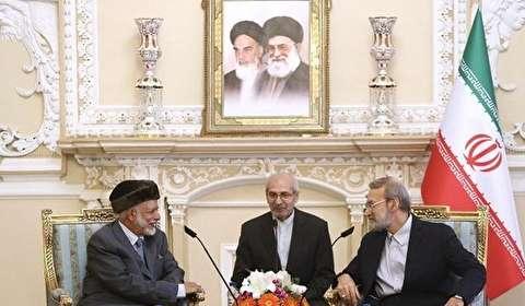 لاريجاني وبن علوي يبحثان تعزيز العلاقات ايران وعمان