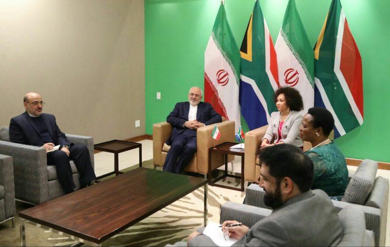 جولة اولي من المحادثات بين وزيري الخارجية الايراني والجنوب افريقية