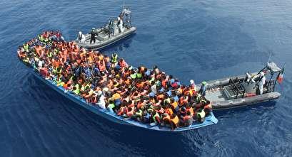 البحرية الليبية تعلن إنقاذ 379 مهاجرا غير شرعي قبالة سواحلها