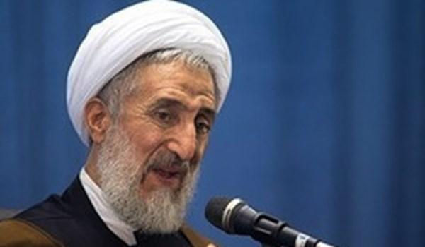 خطيب جمعة طهران : قدراتنا الصاروخية وسيلتنا الدفاعية