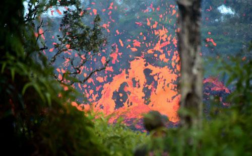 صور.. إصابة 22 شخصا فى سقوط حمم بركانية على سفينة بولاية هاواى الأمريكية