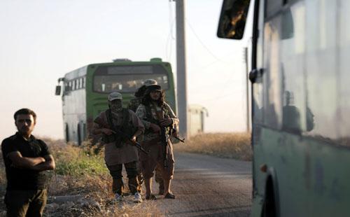 صور.. وصول حافلات لإجلاء مسلحين ومدنيين من الفوعة وكفريا فى سوريا