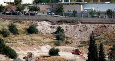 الاحتلال الإسرائيلى يقتلع 350 شجرة مثمرة فى دير بلوط شمال الضفة الغربية
