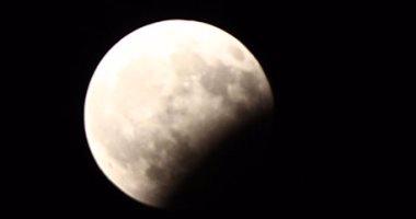 فلكى كويتى: غدا أطول خسوف كلى للقمر خلال قرن