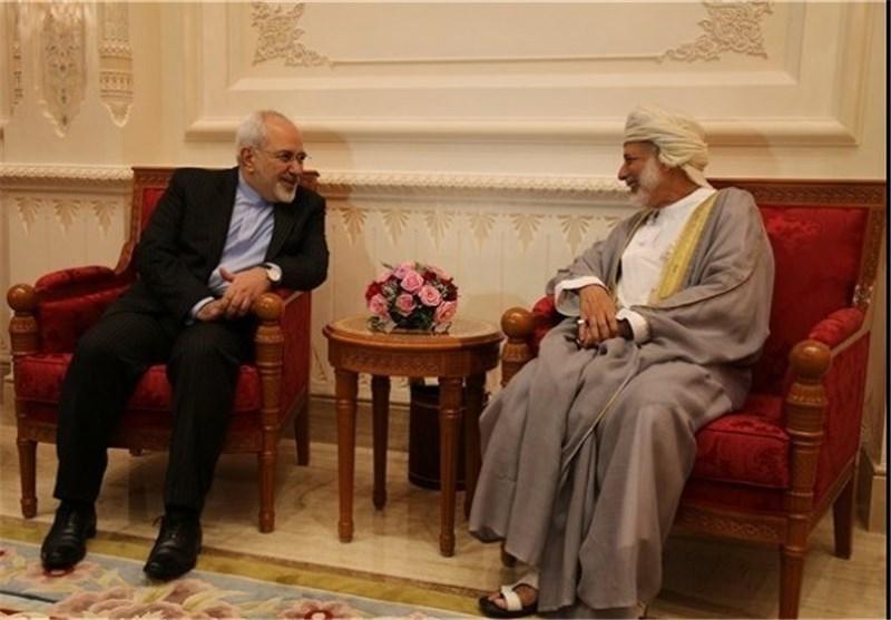 وزير الخارجية الايراني يلتقي نظيره العماني