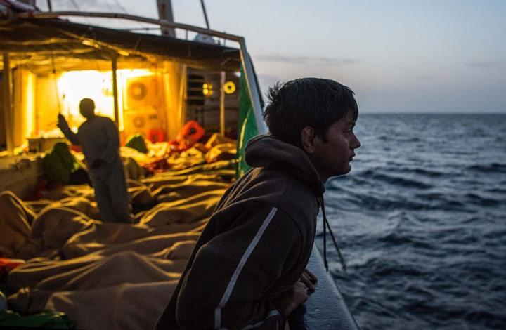 هيومن رايتس ووتش تتهم إيطاليا بعرقلة عمليات إنقاذ المهاجرين