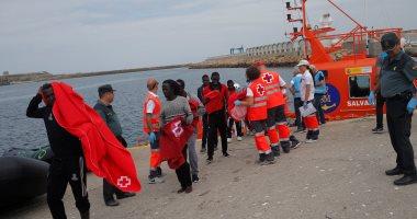 وصول 30 مهاجرا إلى شاطئ إسبانى وفرارهم من الشرطة