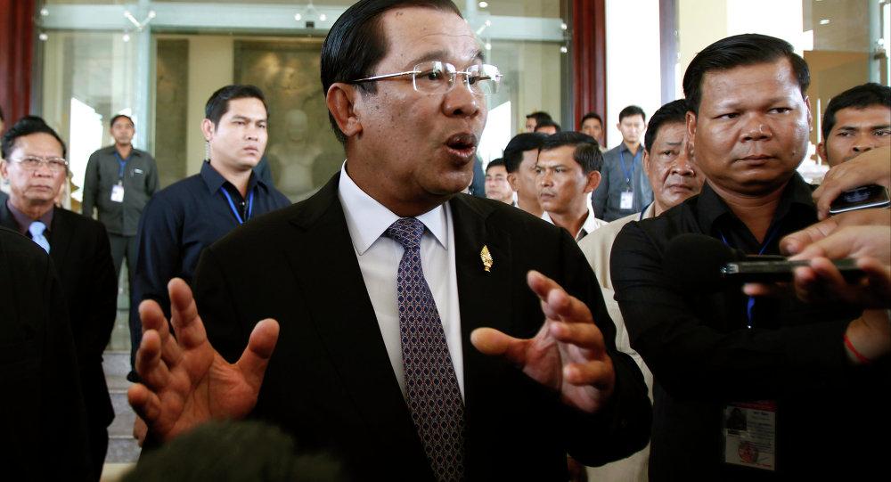 فتح مراكز الاقتراع في الانتخابات العامة بكمبوديا